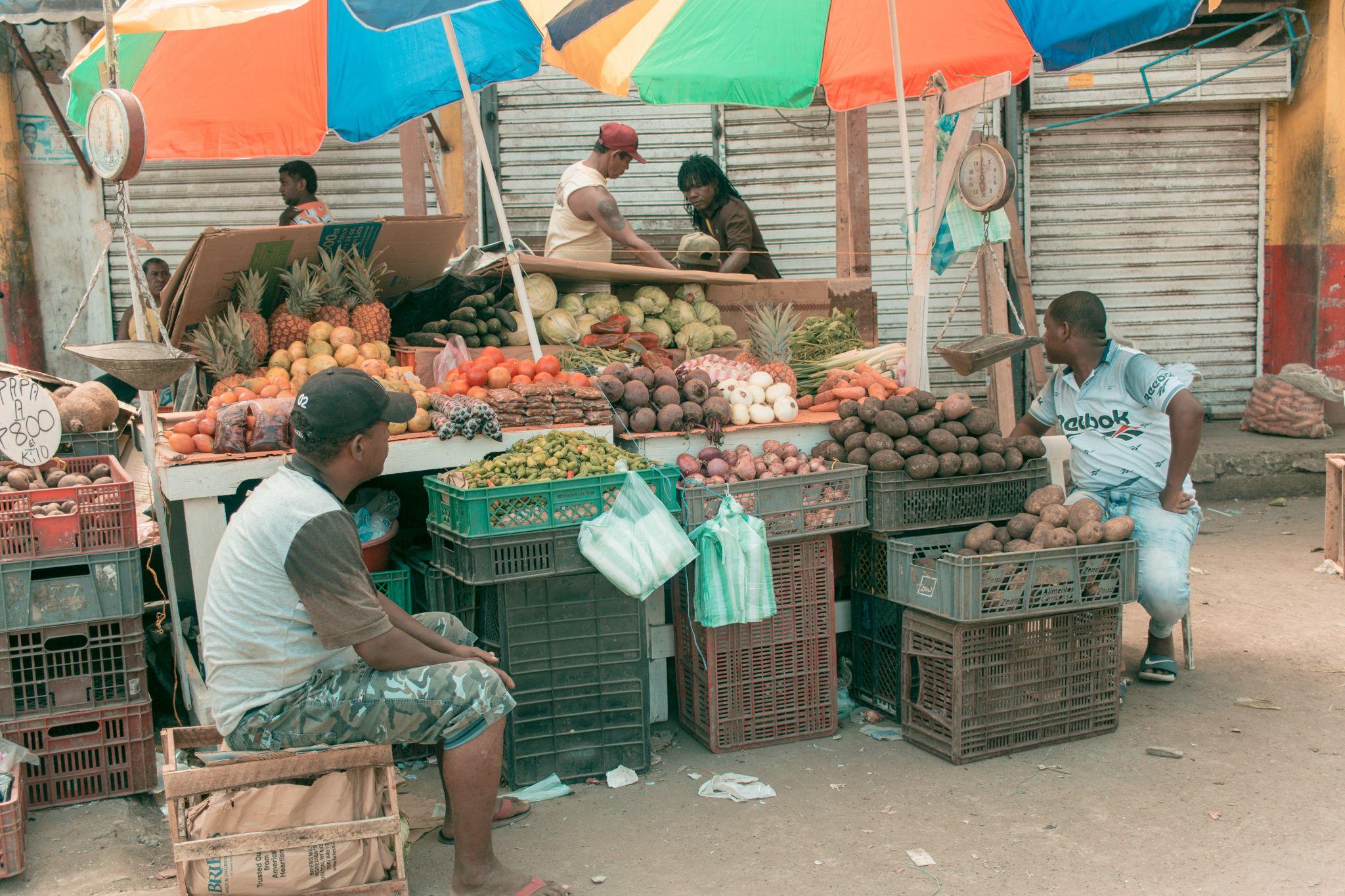 Cartagena Travel Guide Mercado Bazurto fruit stall