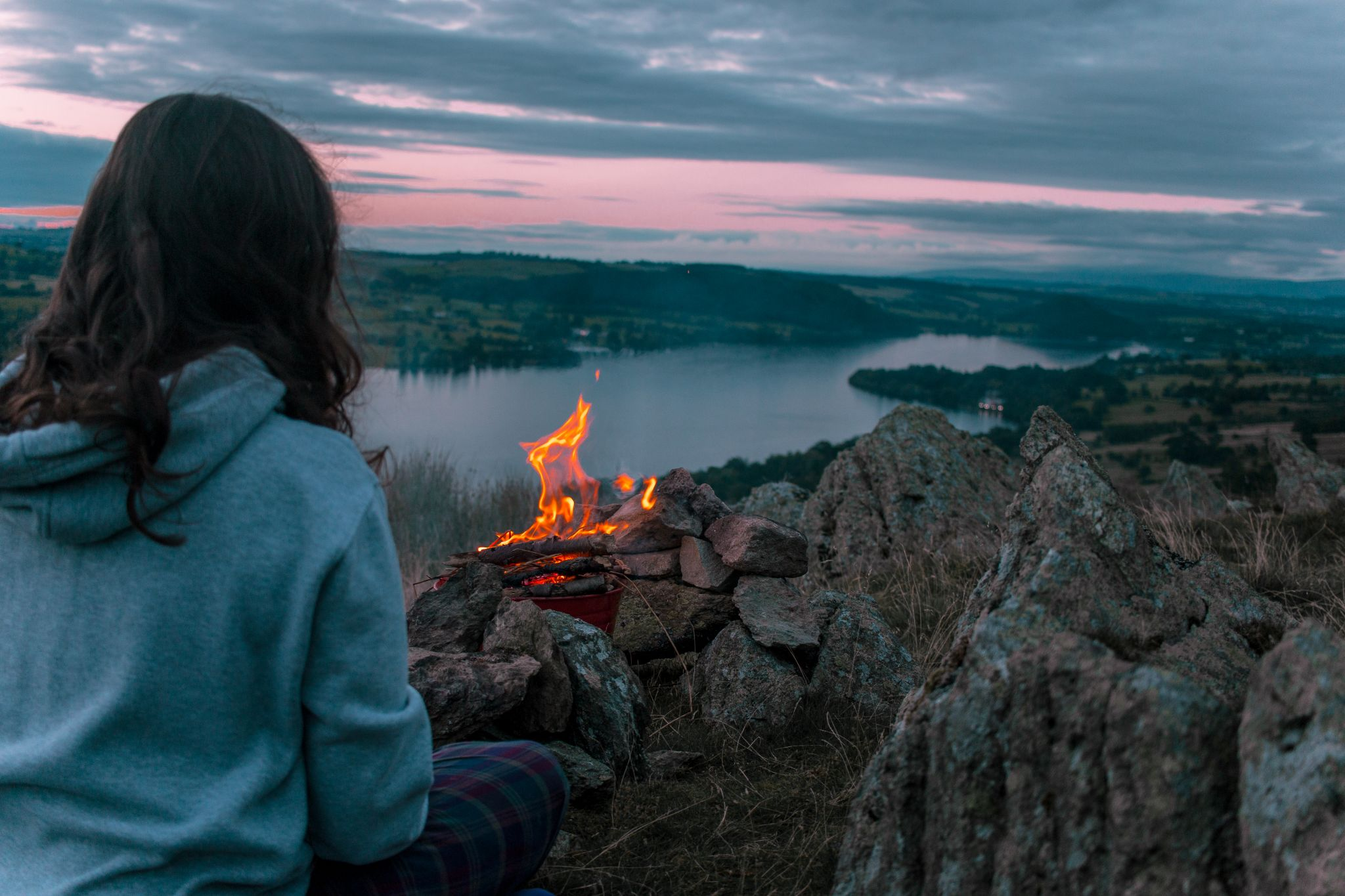 wild-camping-guide-lake-district-campfire-sunset