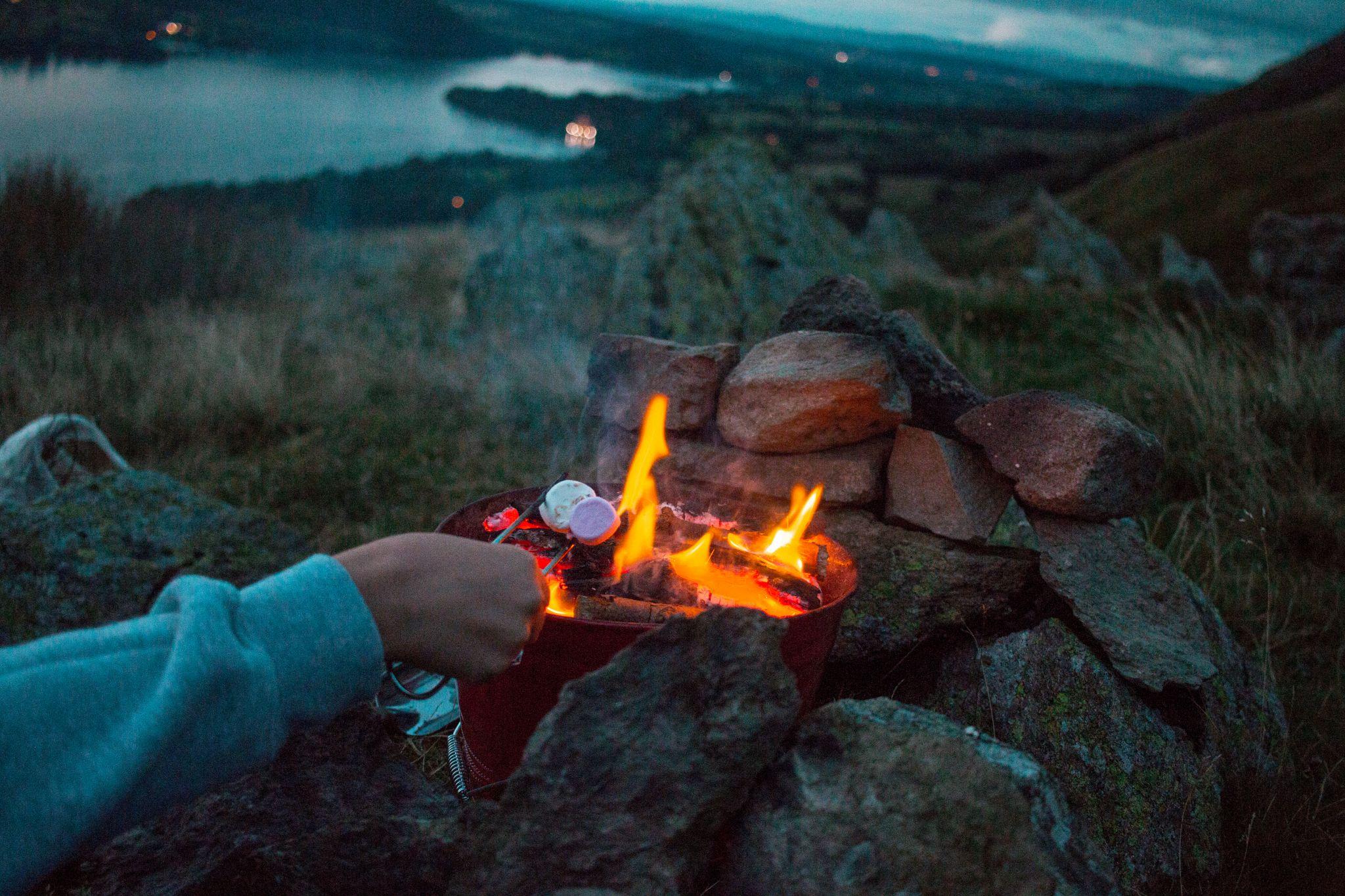 wild-camping-guide-lake-district-smores-making