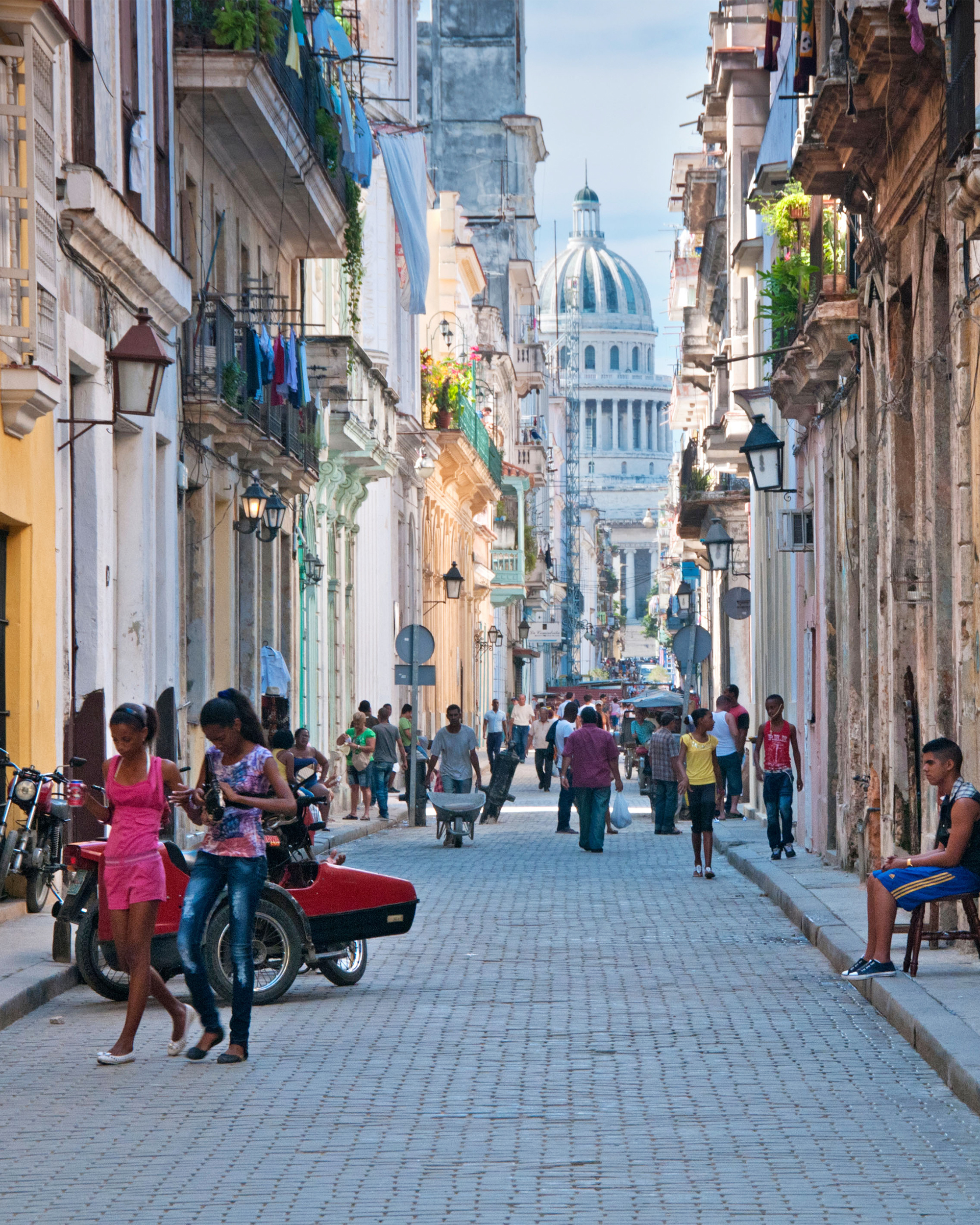 D2F574 Street Scene in Old Havana on Calle Brazil with Capitolio Building Behind, Habana Vieja, Havana, Cuba. Image shot 2013. Exact date unknown.
