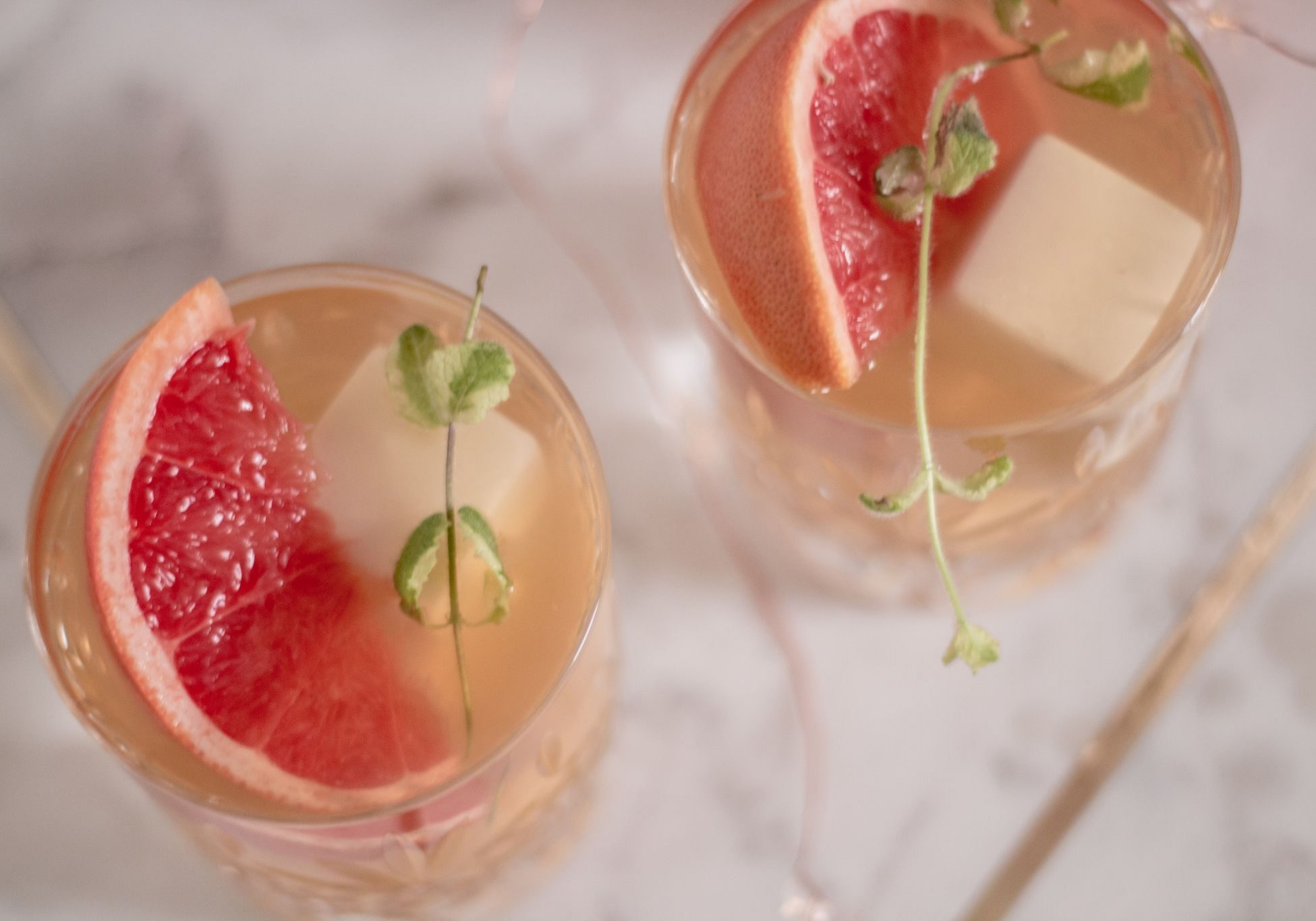 crafted-drinks-apple-mint-lime-festive-cocktail