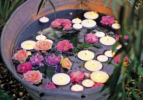 small-garden-ideas-candle-bucket